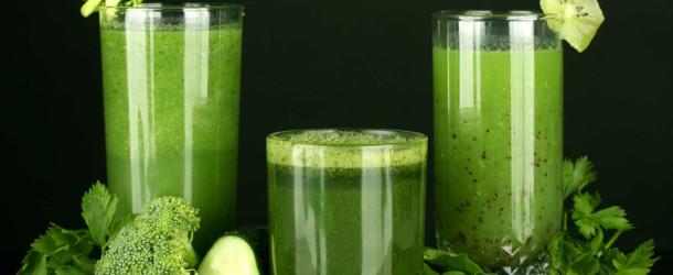 Recept voor een groene smoothie met hennepolie
